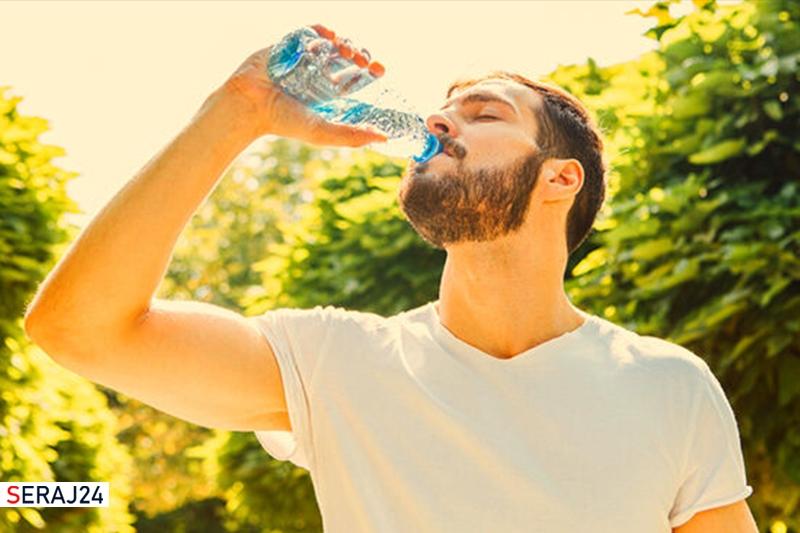 حفظ سلامت کلیهها در تابستان نیازمند نوشیدن آب به میزان کافی است