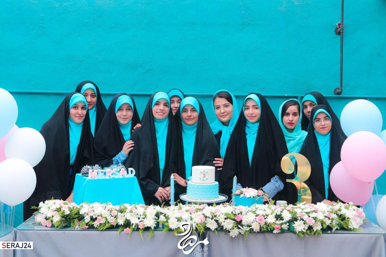 به منظور خط زدن کلیشه ها و تاثیرگذاری پای به میدان نهادیم/شناخت ظرفیت های دختران ایرانی از اهداف کلان ماست