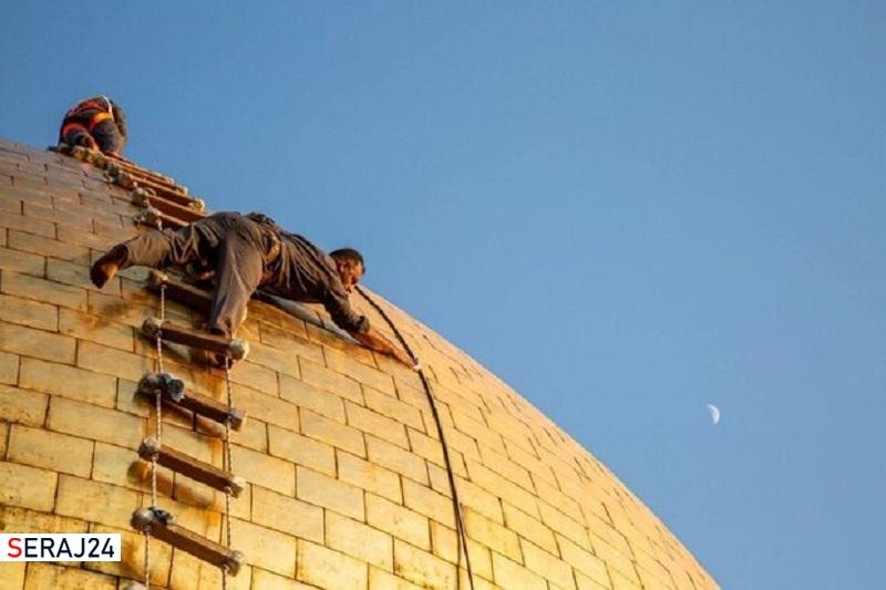 عکس/شستشوی گنبد حرم حضرت عباس(ع) در آستانه عید سعید قربان