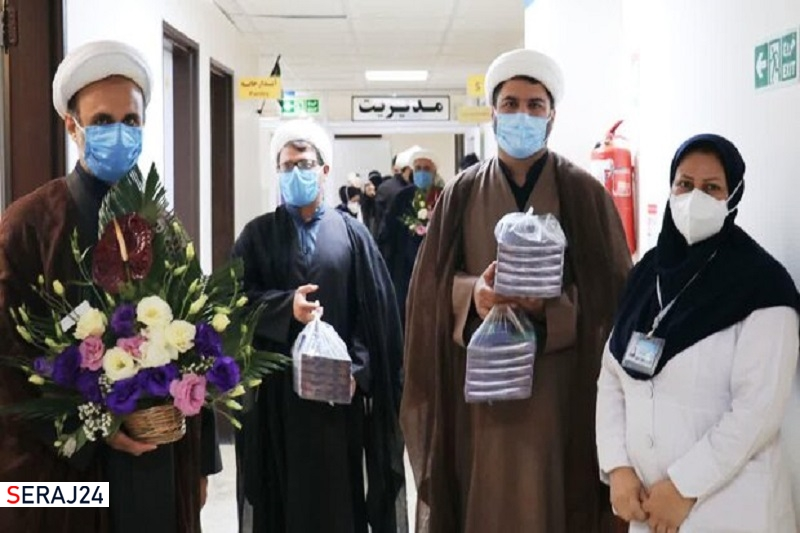 گروه های جهادی طلبه به کمک کادر درمان در بیمارستان نمازی آمدند