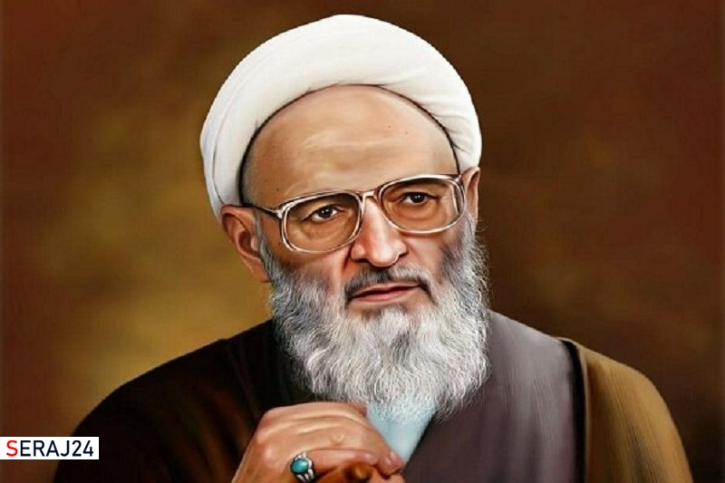 آیتالله حسنزاده آملی مدافع نظام و انقلاب بود