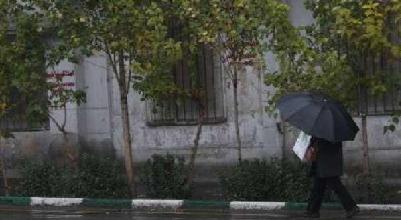 شرایط جو بارانی در تهران همچنان ادامه دارد