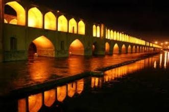 حجم ذخیره آب زاینده رود به 99 میلیون مترمکعب رسید/ انتظار تامین آب شرب اصفهان از طریق زاینده رود نیست