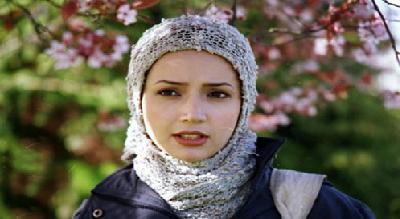 گلایه بازیگر زن مشهور از انتشار عکس جعلی او و همسرش در فیسبوک+عکس