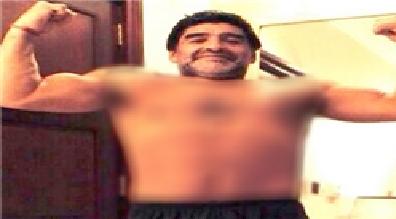 مارادونا: عکسهای بدنسازیهای من، فتوشاپ نیست + عکس