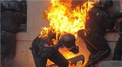 از مچاله شدن خودرو تا آتش گرفتن یک پلیس