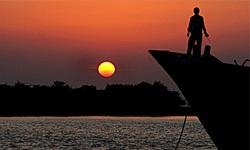 تنها جزیره ایرانی دریای خزر محصور در امواج سیاسی کاری