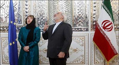 کاترین اشتون محو آئینه کاری های ساختمان تاریخی وزارت خارجه + عکس