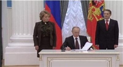 پوتین سند پیوستن جزیره کریمه به روسیه را امضا کرد
