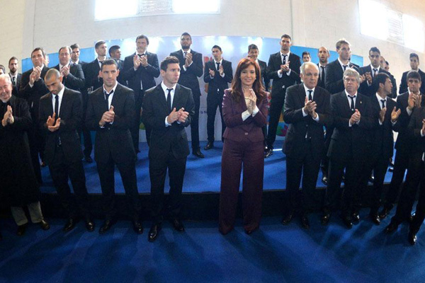 استقبال رئیسجمهور آرژانتین از مسی+عکس