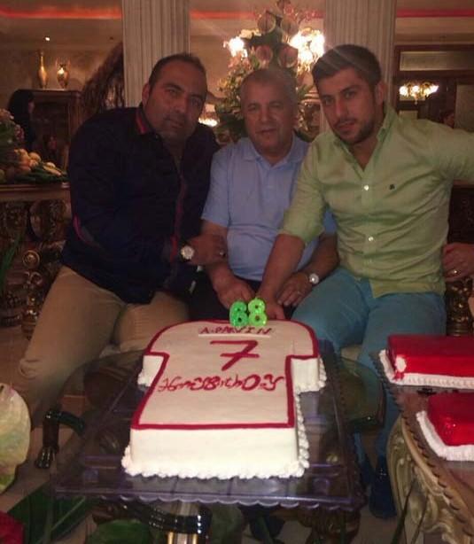 جشن تولد سلطان در کنار خانواده+عکس