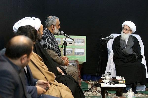 بسیج انقلاب اسلامی را بیمه کرده است/ دشمن از بسیج احساس وحشت میکند