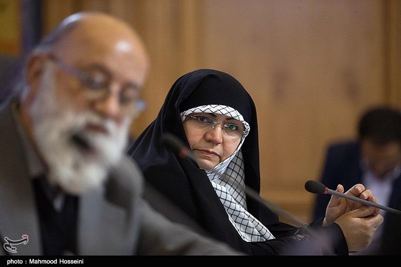 عکس/پوشش معنادار عضو خانم شورای شهر