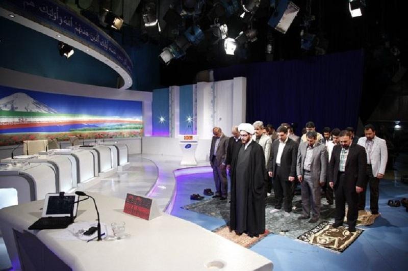 برگزاری نماز جماعت در برنامه زنده