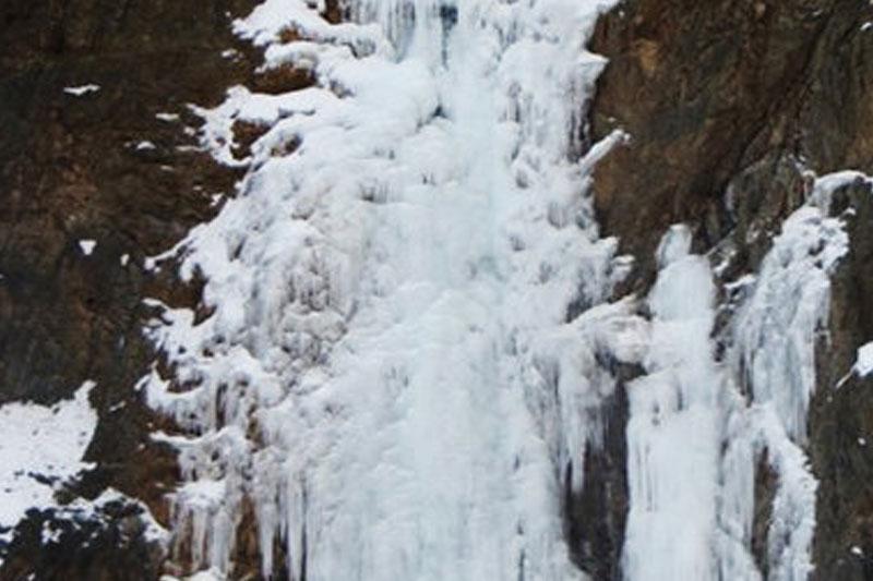 آبشار چیر یخ زد