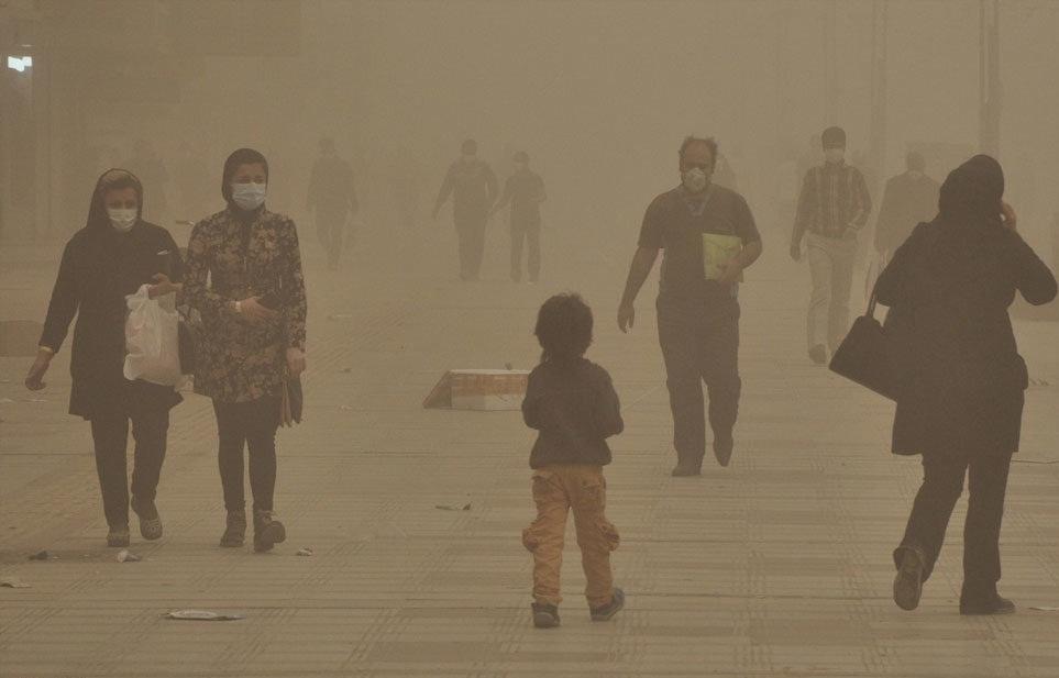 بررسی عوارض گرد و غبار در خوزستان