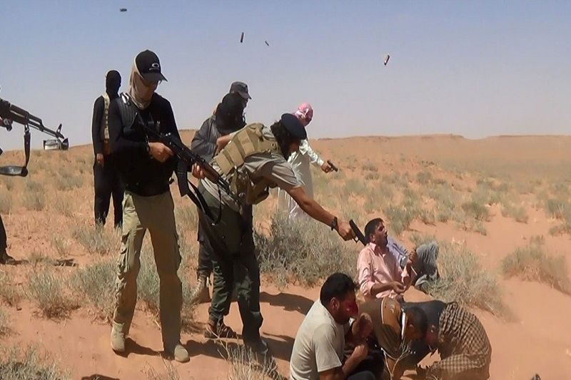 داعش ۲۱ پیشمرگه را سربرید