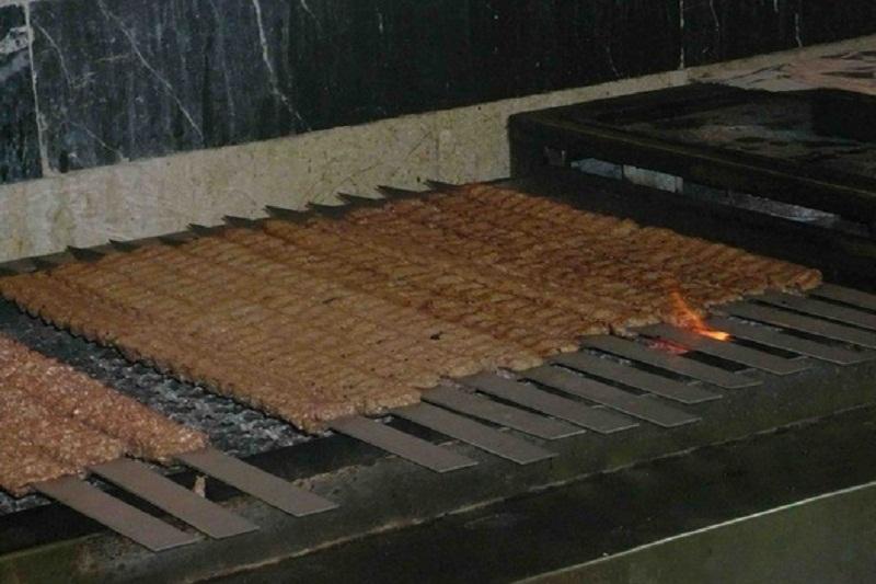 در رستورانها کباب کوبیده و سالاد سفارش ندهید