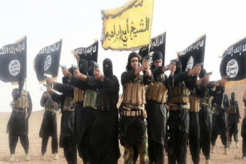 داعش حفر خندق اطراف رقه را آغاز کرد