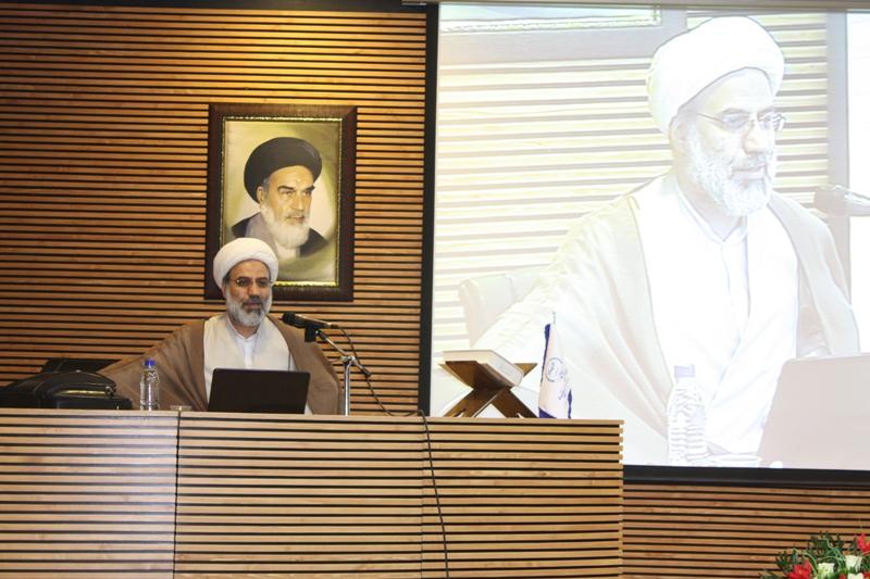 همایش کتابشناسی شهیدآوینی در کرمانشاه برگزار شد